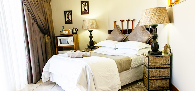 FT-Room-06: Royl Court Guesthouse, Luxury Accommodation in Kimberley