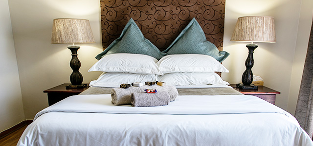 FT-Room-09: Royl Court Guesthouse, Luxury Accommodation in Kimberley