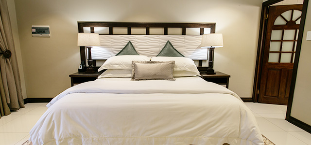 FT-Room-26: Royl Court Guesthouse, Luxury Accommodation in Kimberley