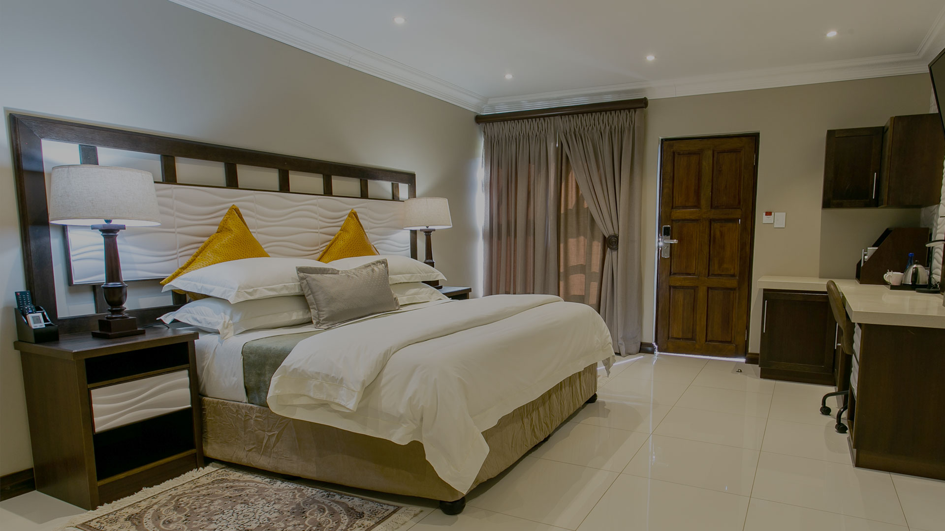 SLIDER Pic 01: Royl Court Luxury Guesthouse in Kimberley