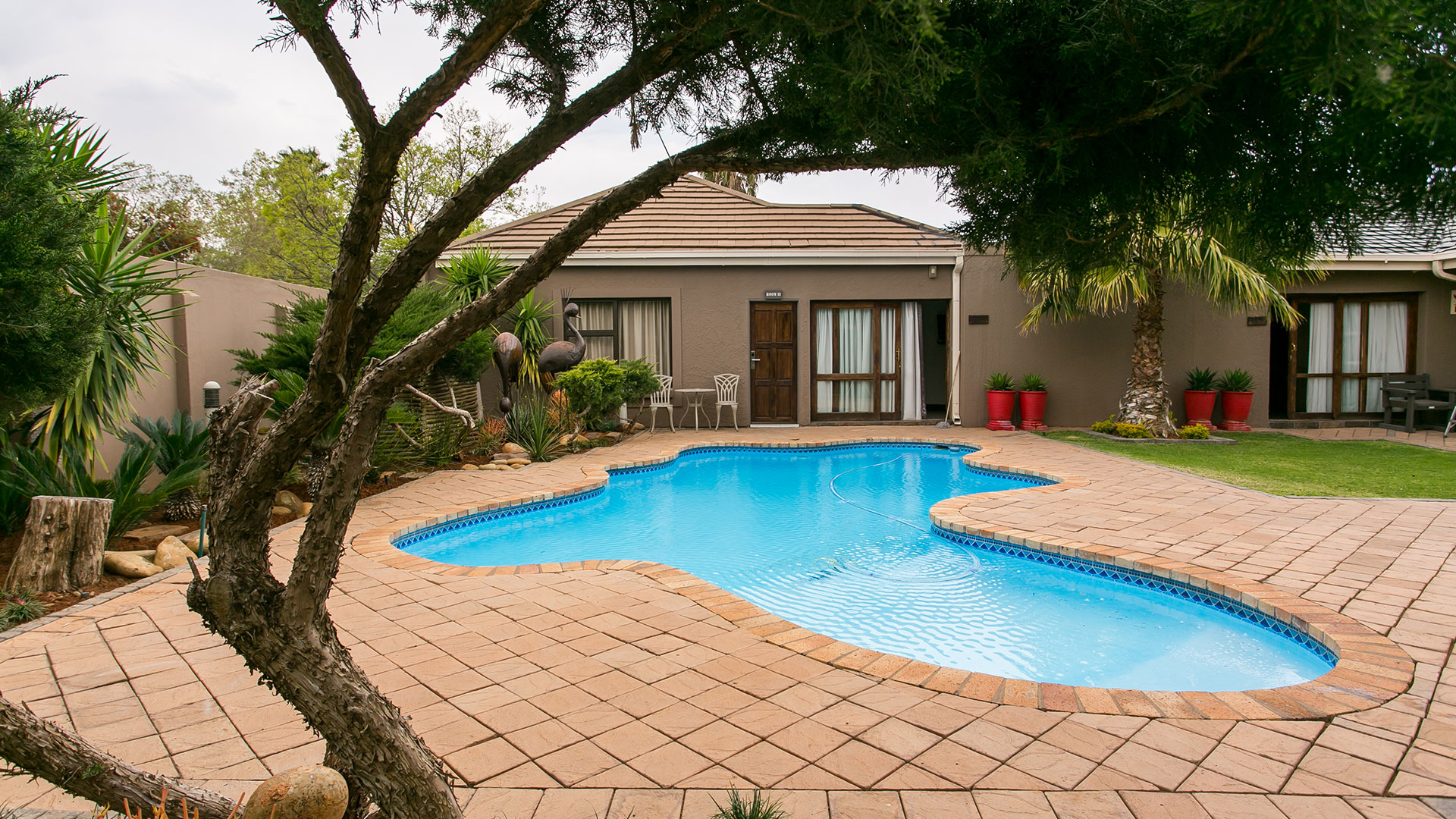 SLIDER Pic 02: Royl Court Luxury Guesthouse in Kimberley